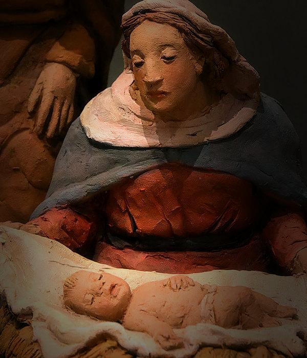 Presepe con pecorelle e adoratori: Madonna e Gesù Bambino