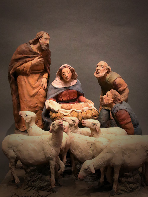 Presepe con pecorelle e adoratori