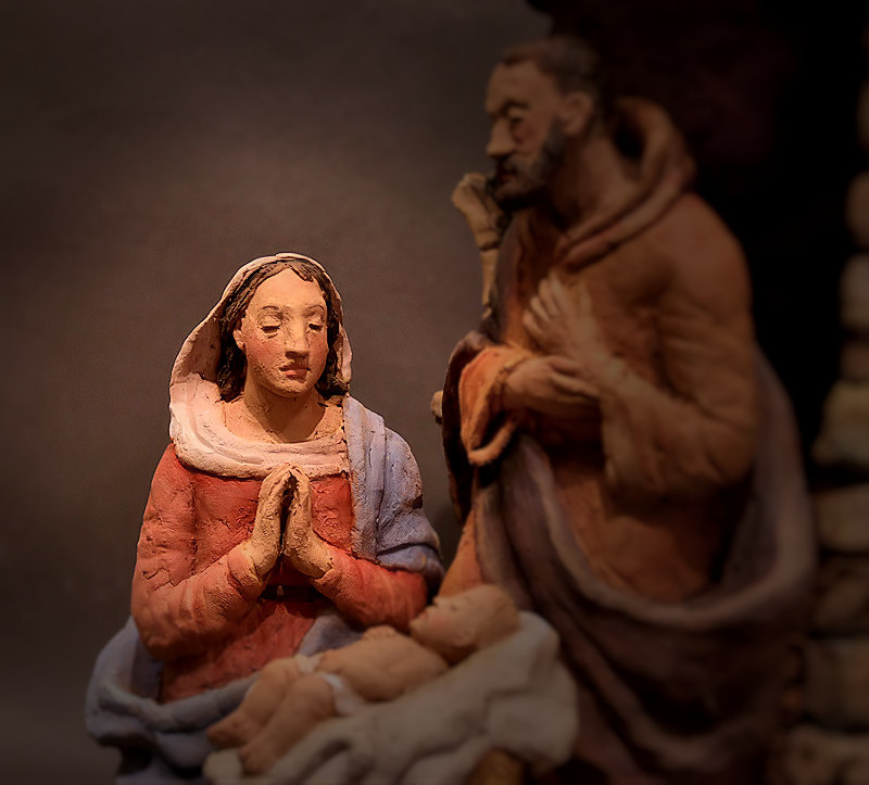 Presepe con Maria in preghiera: Maria